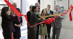 Dr. Posey cuts the ribbon at the April 14, 2016 dedication of the 12 booth, state-of-the-art welding lab on Cincinnati State's Clifton Campus.
